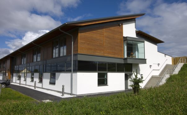 A ward at Migdale Hospital at Bonar Bridge in Sutherland, has been temporarily closed to new admissions by NHS Highland