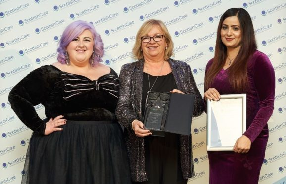 Michelle McManus with Jenny Coutts and award sponsor Salma Iqbal.