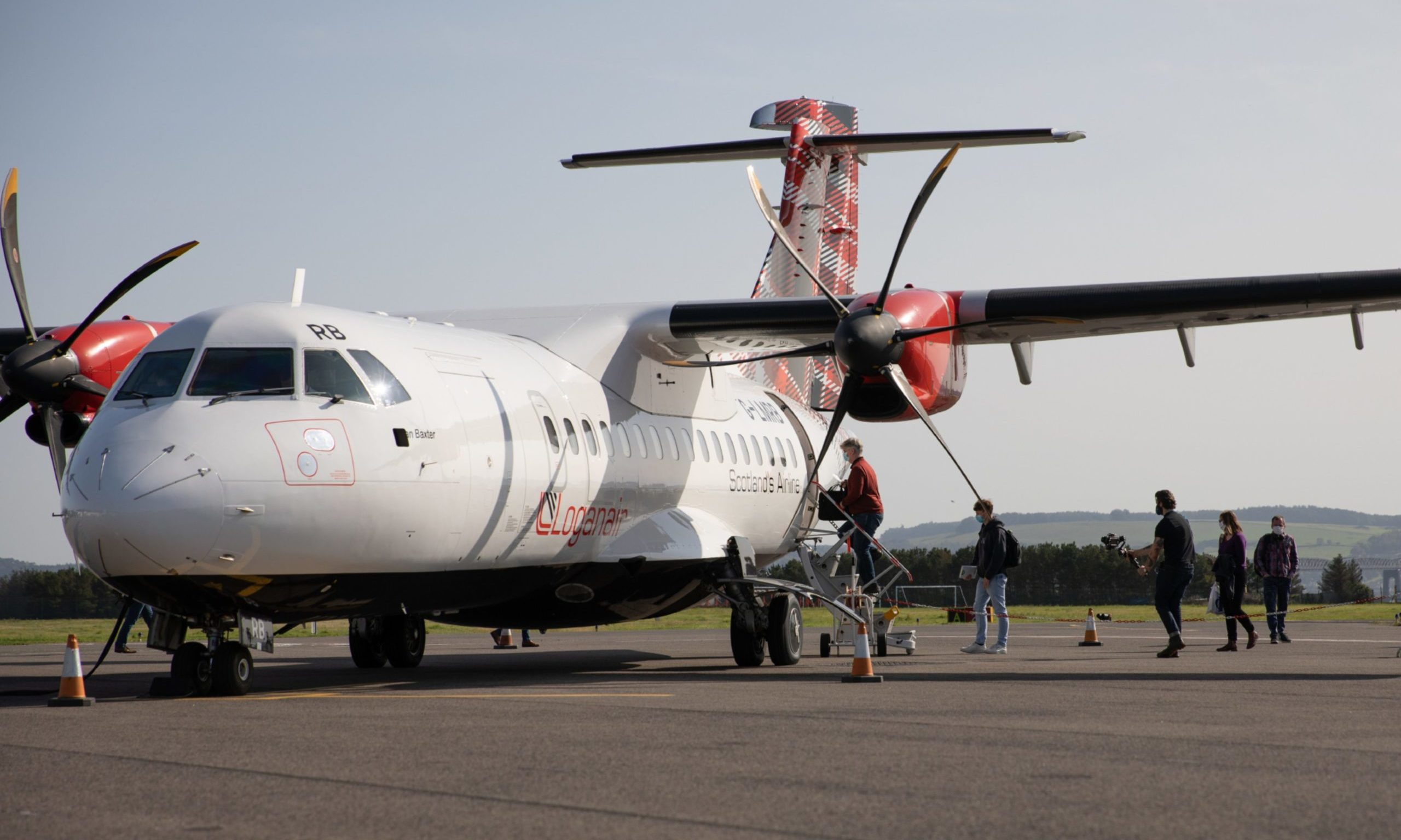 KCes Belfast Flights Resume Dundee Airport 18 09 20 17 36382518 scaled e1623319884481 1.